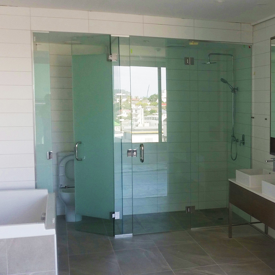 Shower-Doors-And-Enclosures-3